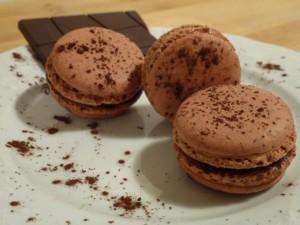 Macaron au chocolat noir dans Macarons sucrés p10006205-300x225