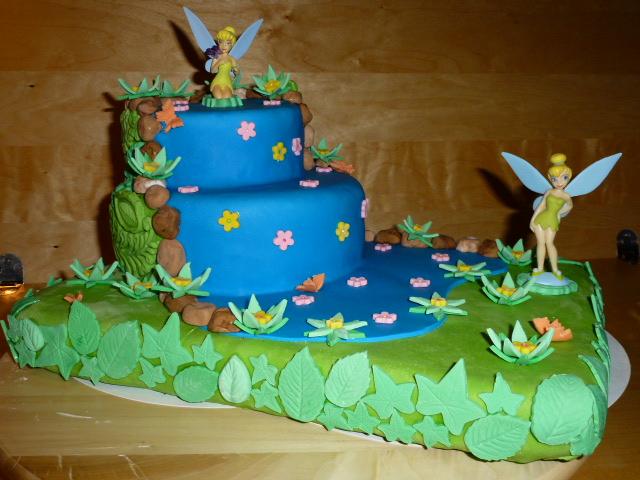 Gâteau de la fée Clochette sur sa rivière enchantée dans Gâteaux ...