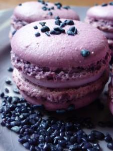 Macaron à la violette dans Macarons sucrés p1000971-225x300