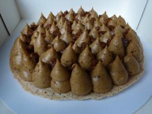 Macaron king size crème au praliné dans Gâteaux avec pâte à sucre p10103311-300x225